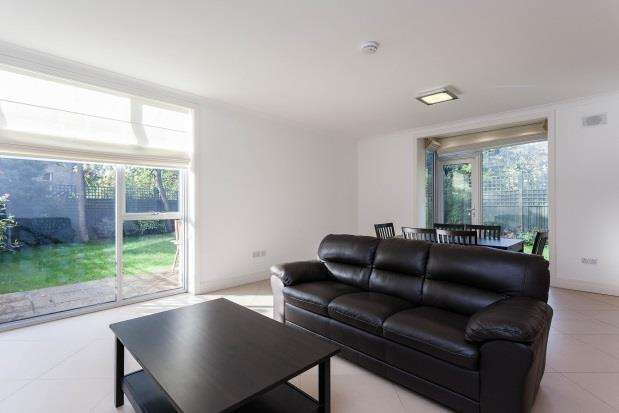 3 Bedrooms Terraced House for rent in Amherst Road, Ealing W13