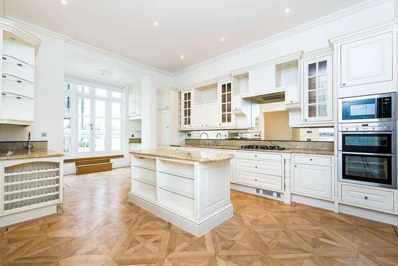 4 Bedrooms Maisonette Flat for rent in WARWICK SQUARE, VICTORIA, SW1