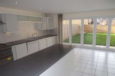 4 Bedrooms End Of Terrace House for rent in LITTLE PAXTON