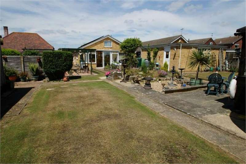 3 Bedrooms Detached Bungalow for sale in Clacton-on-Sea, Essex