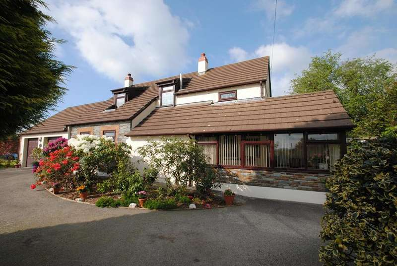 3 Bedrooms Detached House for sale in Green Acre, Trebullett