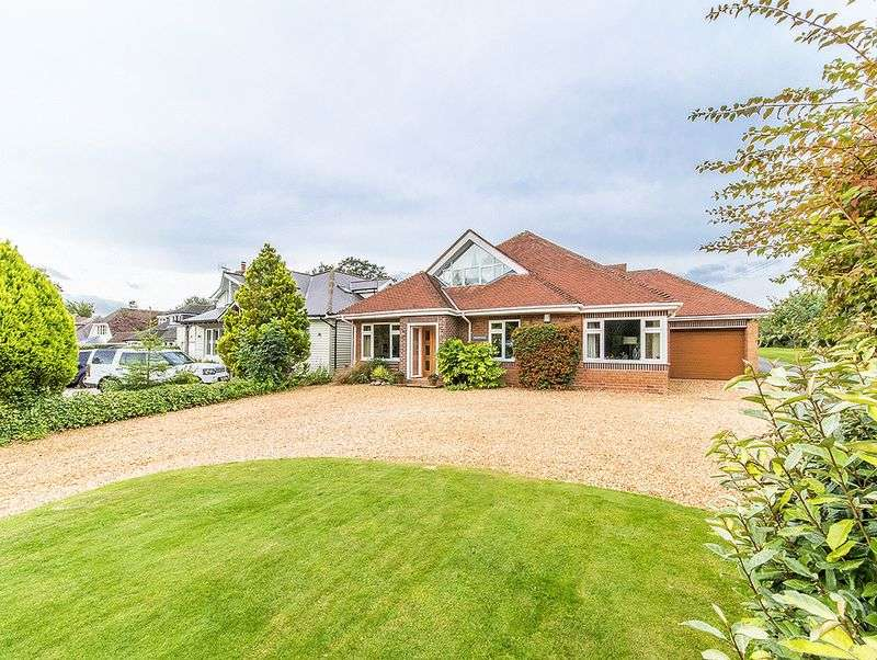 4 Bedrooms Property for sale in Bromsgrove Road, Clent