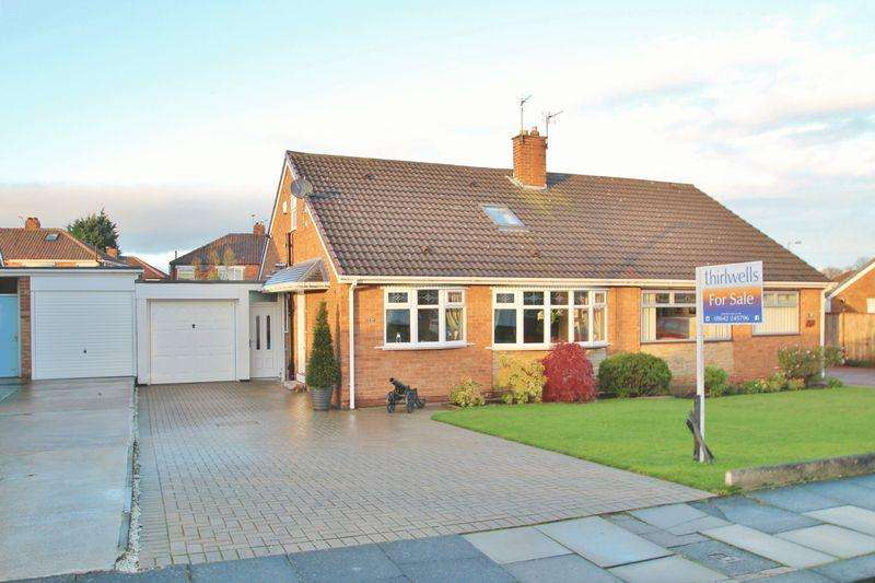 3 Bedrooms Semi Detached Bungalow for sale in Sledmere Drive, Tollesby