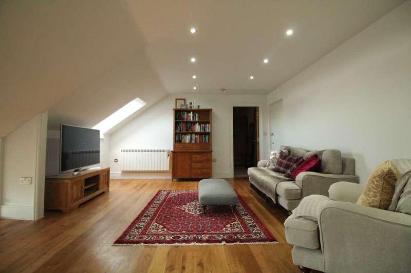 3 Bedrooms Apartment Flat for sale in Brentford Lock