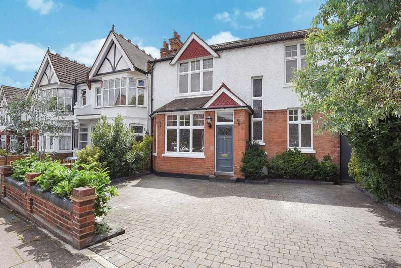 5 Bedrooms Detached House for sale in Fox Lane, Palmers Green