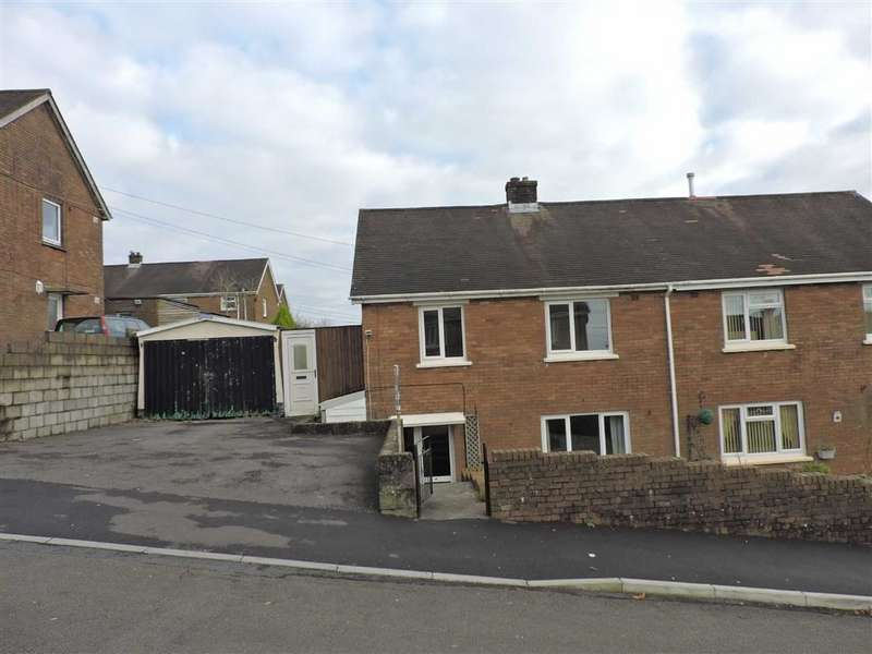 3 Bedrooms Semi Detached House for sale in Ffordd Aneurin, Pontyberem,Llanelli
