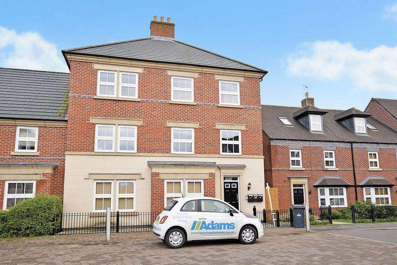 2 Bedrooms Apartment Flat for sale in Partington Square, Runcorn