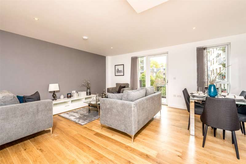 3 Bedrooms Apartment Flat for sale in Hand Axe Yard, 277A Gray's Inn Road, Kings Cross, London, WC1X