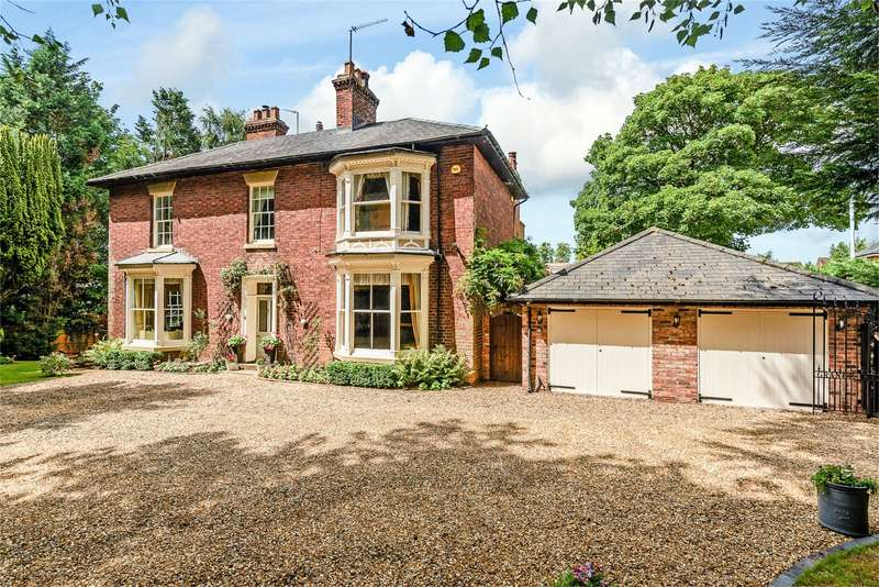 5 Bedrooms Detached House for sale in Lea Grange, The Lea, Kidderminster, Worcestershire, DY11