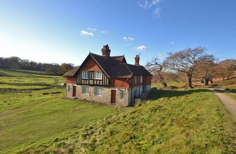 3 Bedrooms House for rent in Storrington, West Sussex, RH20 4HS