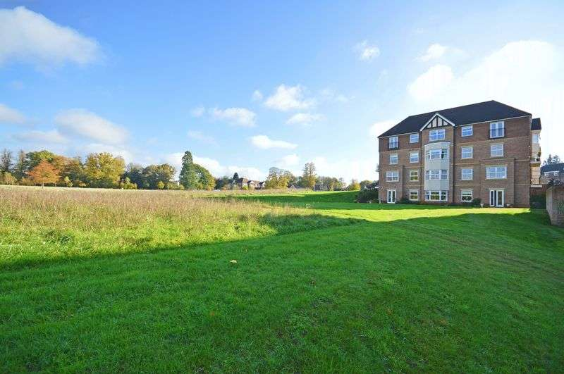 1 Bedroom Property for sale in Tudor Court Bramshott Place Village, Liphook
