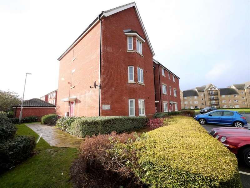 2 Bedrooms Apartment Flat for sale in Sinclair Drive, Ipswich