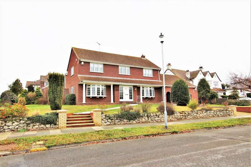 3 Bedrooms Detached House for sale in Second Avenue, Frinton-On-Sea