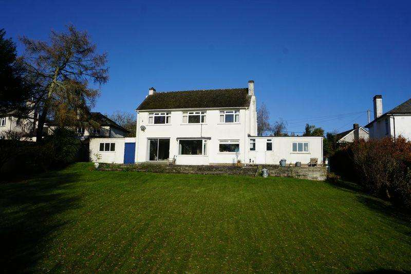 4 Bedrooms Detached House for sale in Underhayes Lane, Launceston