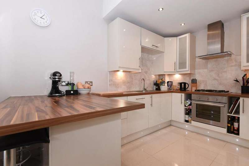 4 Bedrooms Semi Detached House for sale in Laurel Road, West Wimbledon