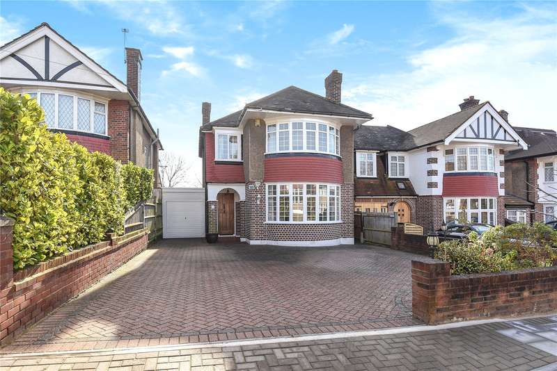 3 Bedrooms Detached House for sale in Monro Gardens, Harrow, Middlesex, HA3