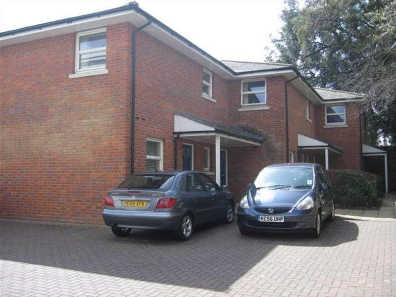 2 Bedrooms Flat for rent in Pepper Court, Baldock
