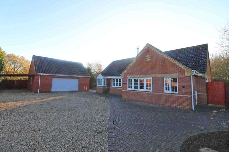 3 Bedrooms Detached Bungalow for sale in Norwich Road, Wymondham