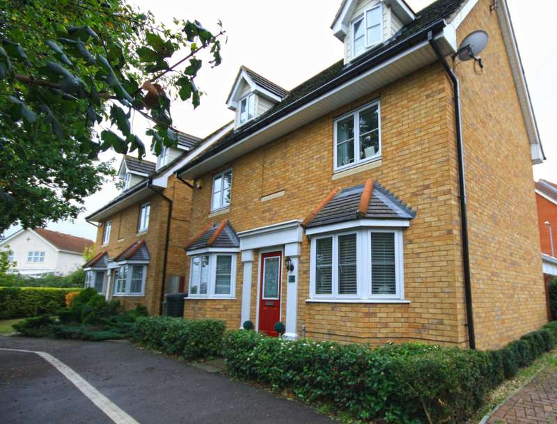 4 Bedrooms Detached House for rent in High Road North, Steeple View