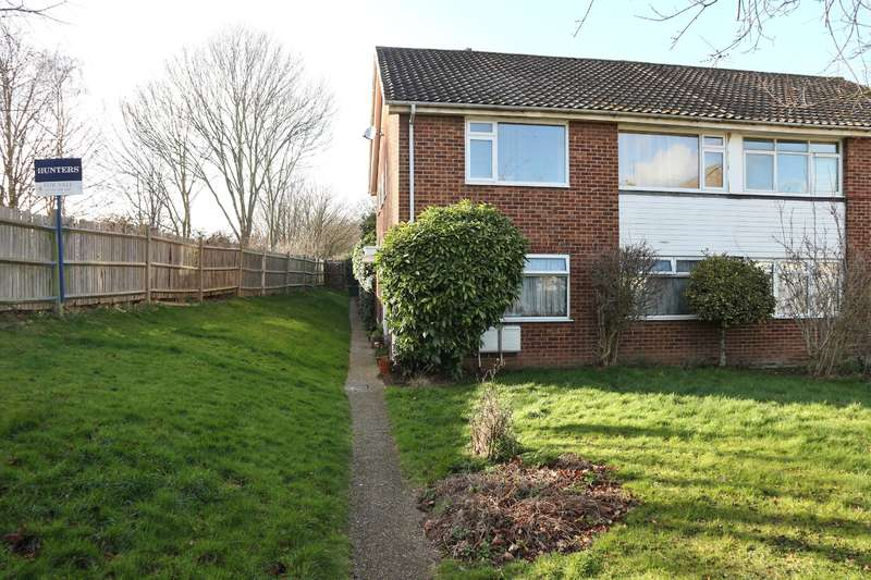 2 Bedrooms Maisonette Flat for sale in Taunton Close, Bexleyheath, Kent, DA7 6NN