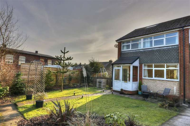 3 Bedrooms End Of Terrace House for sale in Berkley Walk, Littleborough, OL15 8NP