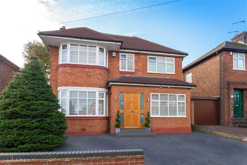 4 Bedrooms Detached House for sale in Lonsdale Drive, Enfield