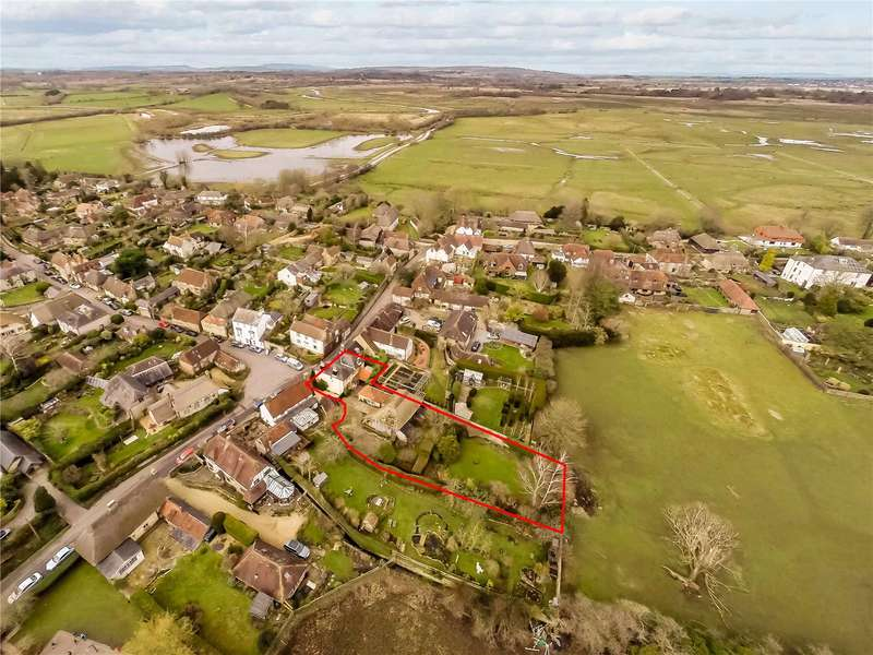 4 Bedrooms Detached House for sale in The Square, Amberley, Arundel, West Sussex, BN18