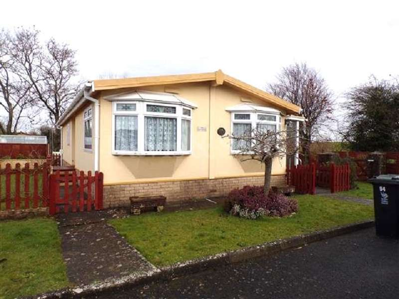 3 Bedrooms Mobile Home for sale in Lighthouse Park, St Brides, Newport. NP10 8ST