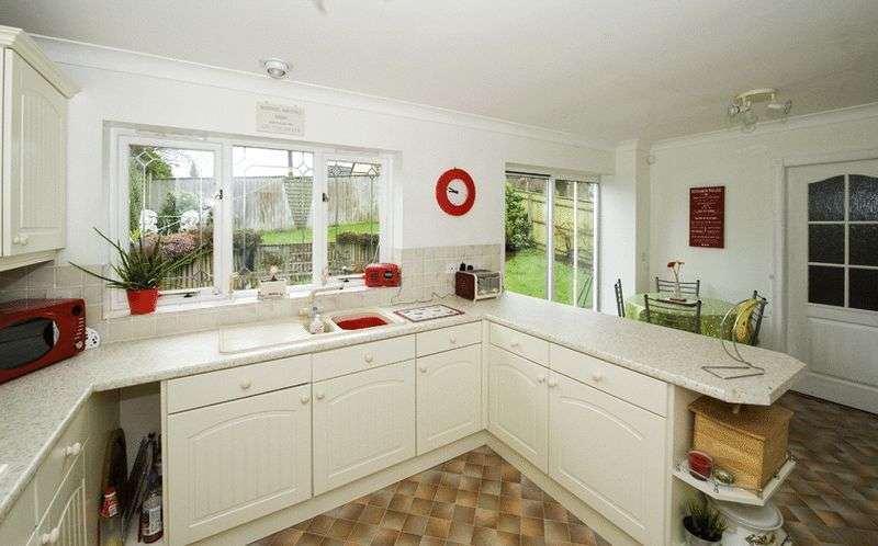 4 Bedrooms Property for sale in The Stewponey, Stourton