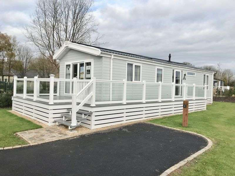 2 Bedrooms Property for sale in Broadway Lane South Cerney, Cirencester