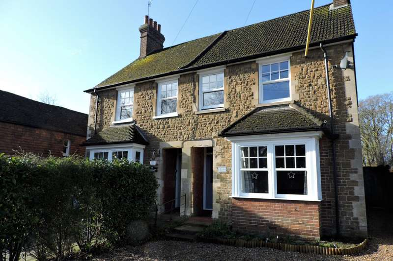 3 Bedrooms Semi Detached House for rent in Heath End Cottages, Petworth Road, Godalming