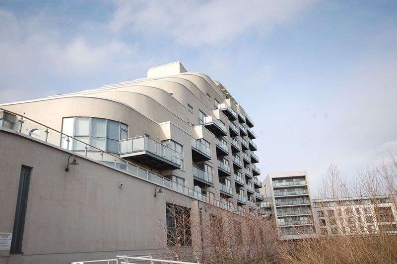2 Bedrooms Property for sale in Apartment 47, The Watermark, Ferry Road, Cardiff