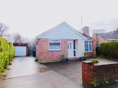3 Bedrooms Bungalow for sale in Porton, Salisbury, Wiltshire