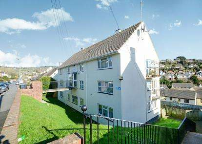 2 Bedrooms Flat for sale in Teignmouth, ., Devon