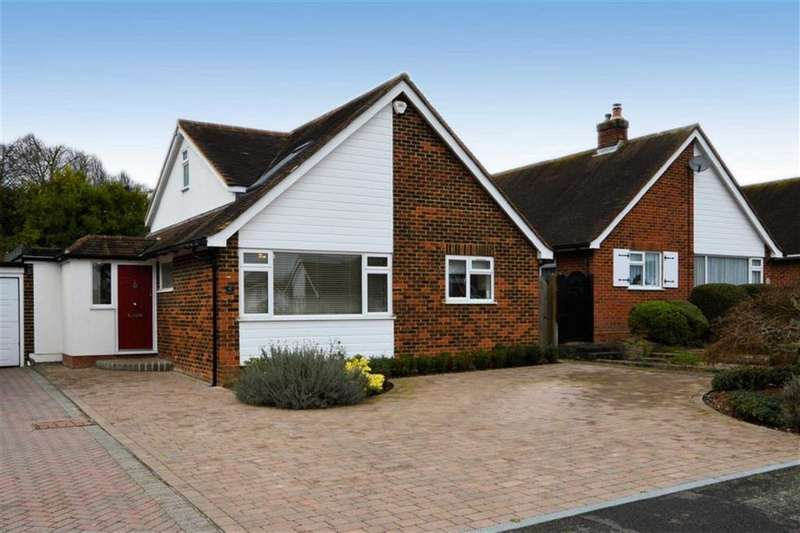 3 Bedrooms Detached House for sale in The Orchards, Epping