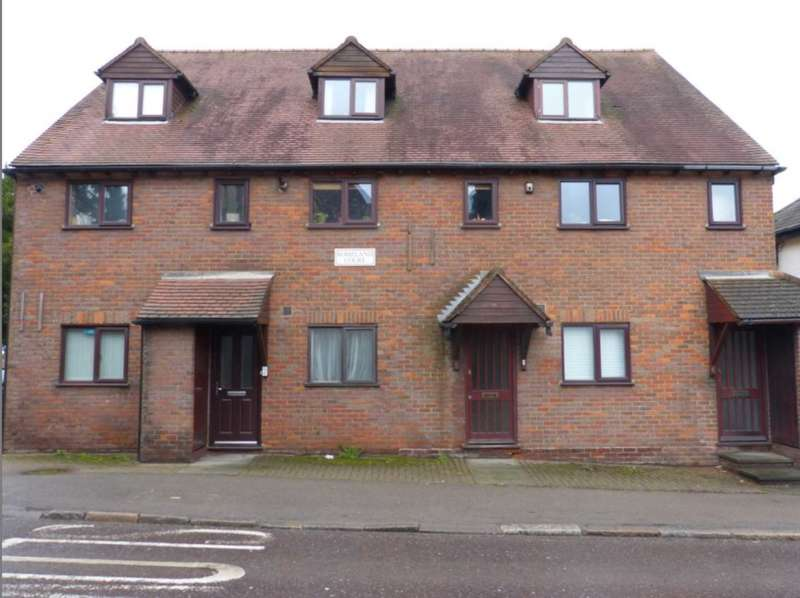 2 Bedrooms Maisonette Flat for sale in High Street, Elstree
