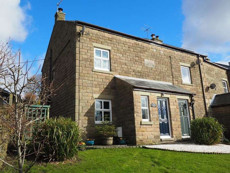 2 Bedrooms End Of Terrace House for sale in Glossop Road, Hayfield, High Peak, Derbyshire, SK22 2NF
