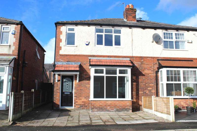 3 Bedrooms Semi Detached House for sale in Kingston Avenue, Tonge Park