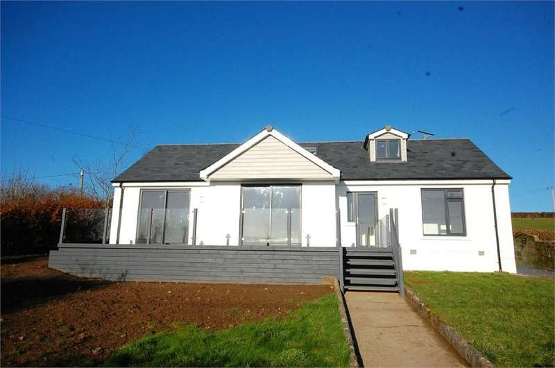 4 Bedrooms Detached House for sale in Penpillick, Par, Cornwall