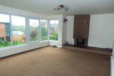 4 Bedrooms House for rent in The Crescent, Alexandra Park