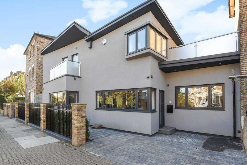 3 Bedrooms Semi Detached House for sale in Ambler Road, Finsbury Park