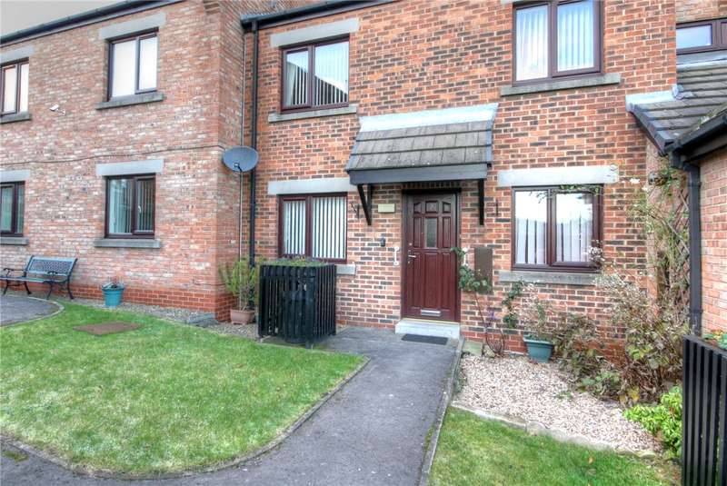 2 Bedrooms Flat for sale in Clayton Court, Bishop Auckland, County Durham, DL14