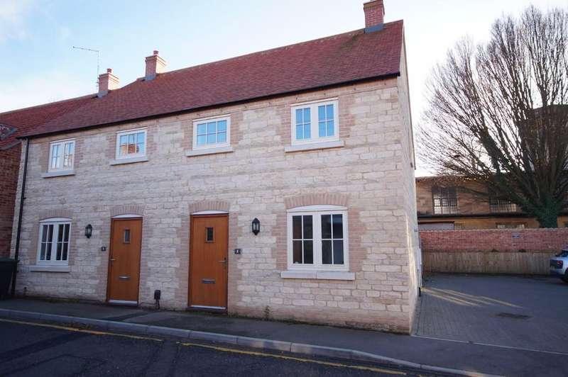 3 Bedrooms Semi Detached House for sale in Bar Lane, Waddington