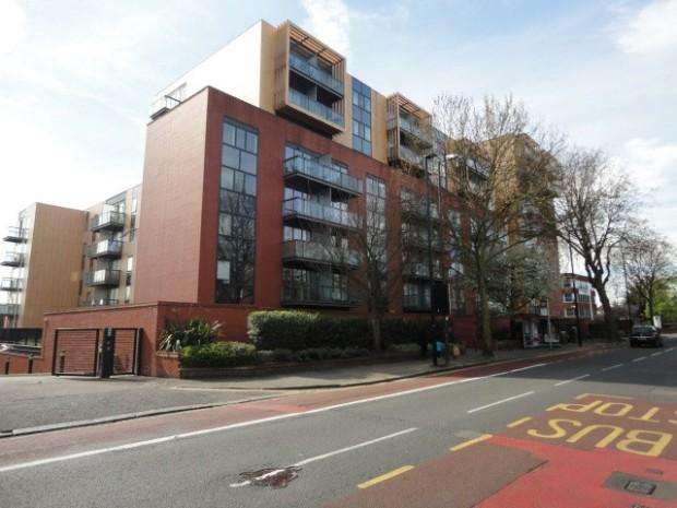 1 Bedroom Flat for sale in Westgate House, London Road, Isleworth, TW7