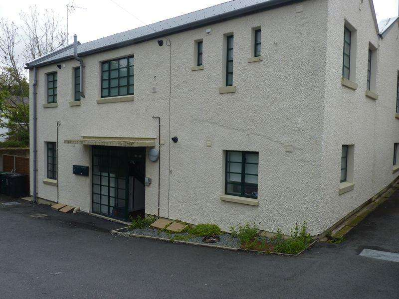 2 Bedrooms Flat for sale in Flat 3,The Factory, Bryn Road LL33 0SA