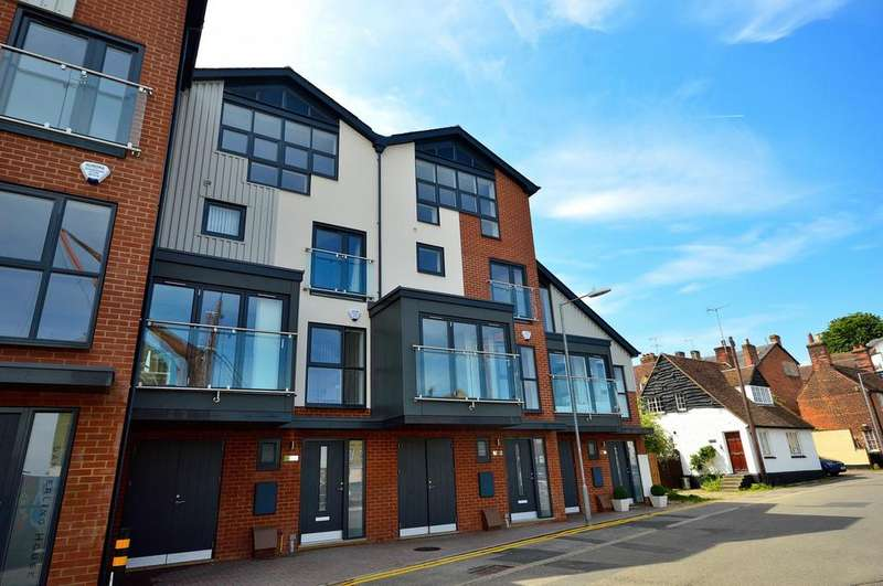 4 Bedrooms Town House for sale in The Moorings, Fullbridge Quay, Maldon, Essex, CM9