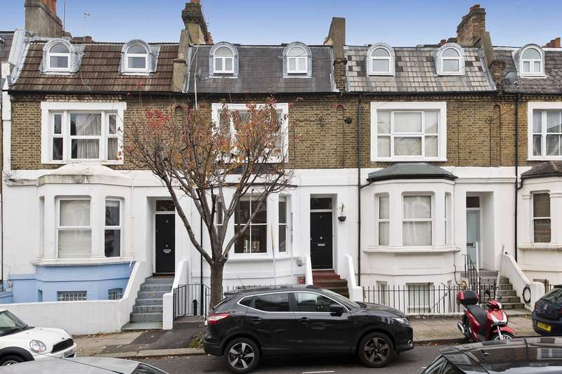 2 Bedrooms Flat for sale in Auckland Road, London, SW11