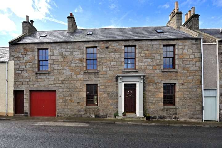 5 Bedrooms Semi Detached House for sale in 11 Fife Street, Banff, Aberdeenshire, AB45