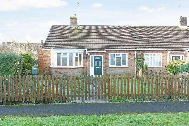 2 Bedrooms Semi Detached Bungalow for sale in Pewsey, Wiltshire, SN9 5ED