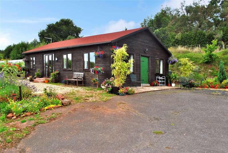 2 Bedrooms Detached Bungalow for sale in Preston Bowyer, Milverton, Taunton, Somerset, TA4